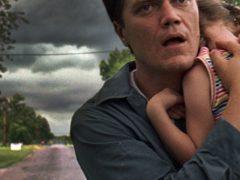Запер семью в погребе из-за шторма: фильм